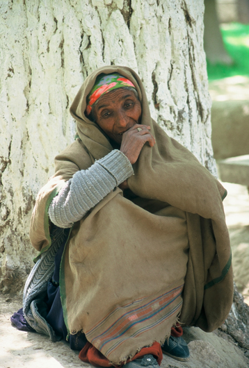<p>Fig 10: A woman begging in Kabul.<br />Photo by Sheryl B. Shapiro, 2003</p>