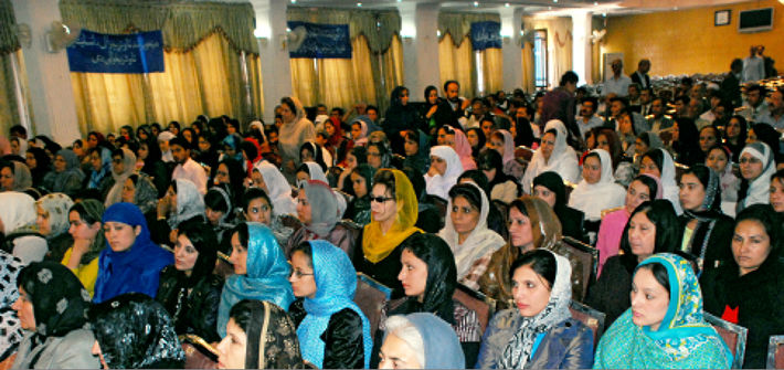 <p>Fig 9: A gathering at the Ministry of Women&rsquo;s Affairs in Kabul. Photo by Nilab Habibi for Pajhwok Photo Service, Pajhwok News Agency, 2009</p>