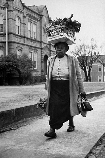 <p>Don Cravens, <em>Woman Boycotting Montgomery Buses</em>, Montgomery, Alabama, December 1, 1955. Don Cravens/TimePix.</p>